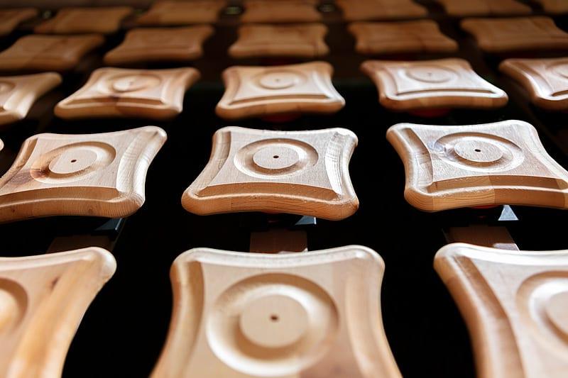 Schlafzimmer Ausstellung Zirpe gesund schlafen Natur schlafzimmer inregia inregiacenter lehmputz metalllos Bett zirbenbett zirbenschlafzimmer