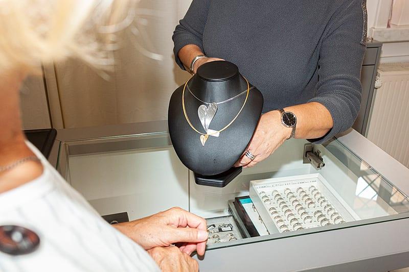 Schmuckkästchen Löffelholz Uhren Schmuck Uhrenreparatur Gravuren Eichsfeld Dingelstädt