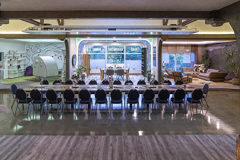 inregia inregiacenter Veranstaltungslocation Businesslocation Konferenztisch exklusive Location Veranstaltungszentrum